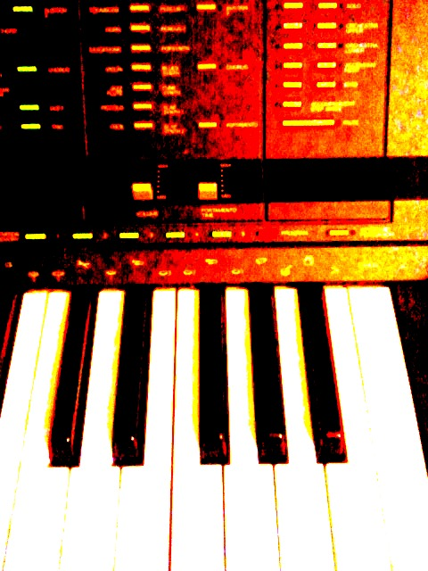 http://klangschreiber.de/files/2012/01/Synthesizer.jpg